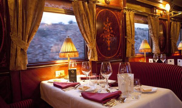 Viajar en el tren Transcantábrico